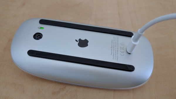 Magic Mouse charging